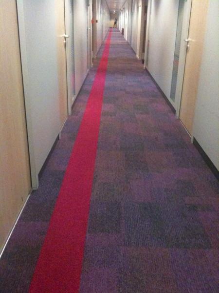 couloir_bureau_shining